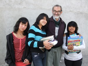 Mike with Gloria Mera, Mishell Trujillo, and Luz Ñamiña